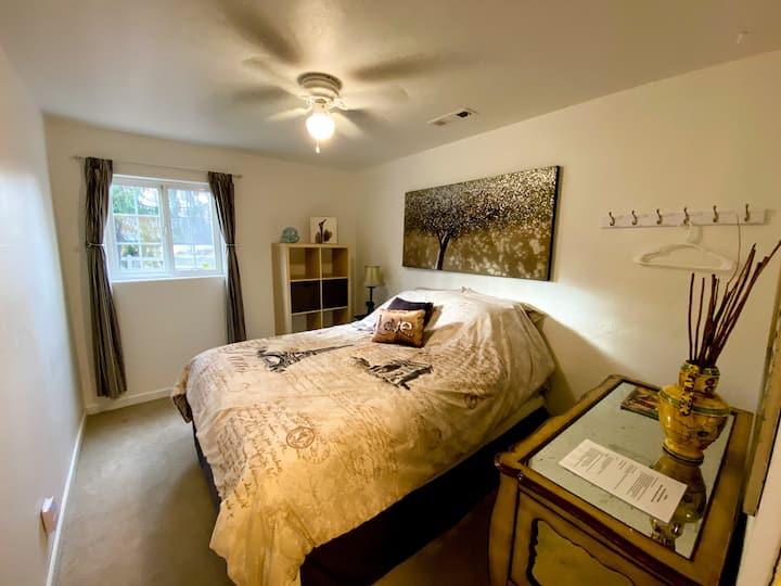 Ashland Paris Room