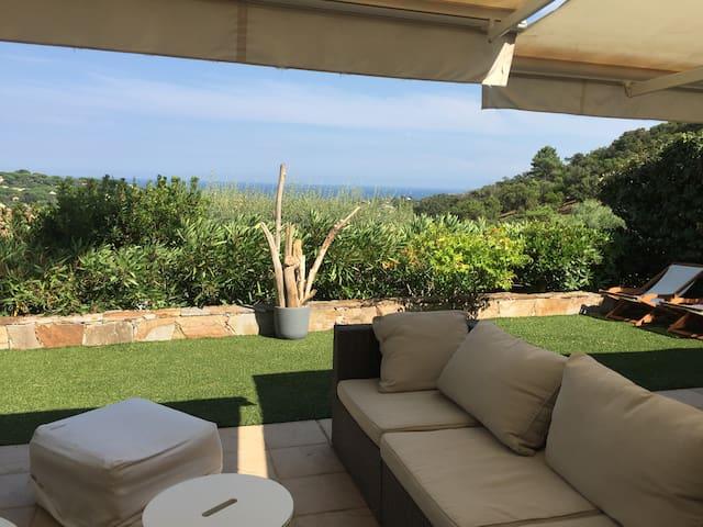 Superbe maison magnifique vue  golfe de st Tropez