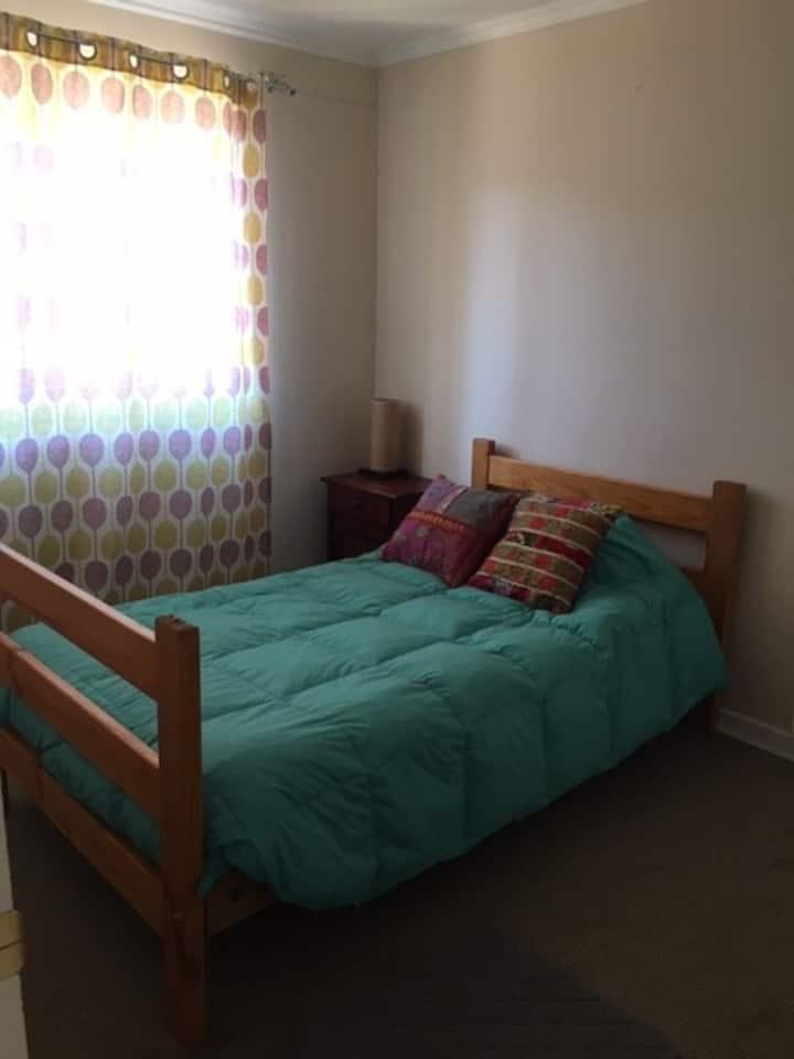 Disponible habitacion para compartir casa