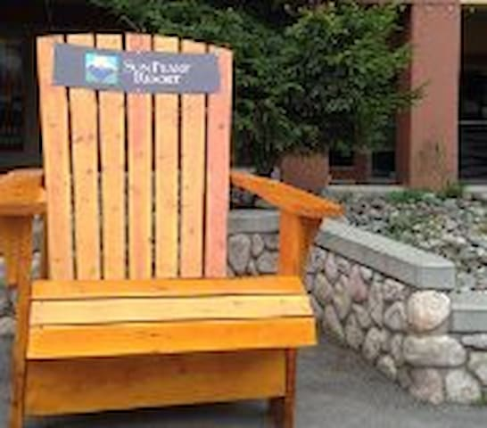 Sun Peaks Village Affordable Luxury! Kids/Dog ok! - Sun Peaks - Apartamento