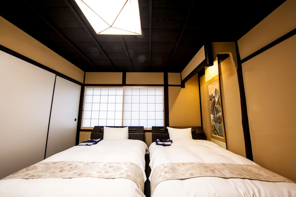 Western-style room (2F)