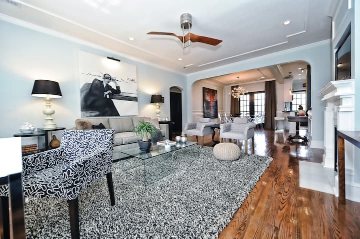 Executive Corporate Apartment in Charlotte 1 Mile from Uptown- Private and Quiet