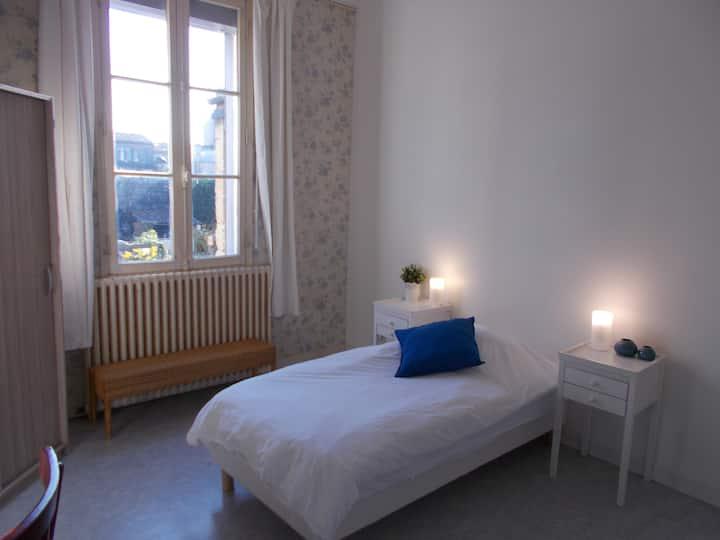 Chambre privée chez l'habitant /  Bordeaux centre