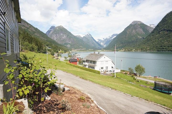 6/8 PERS. apartment v/bre og fjord