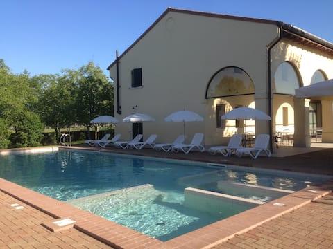 RELAIS CA 'SERENA-Two-pokojowe mieszkanie na farmie