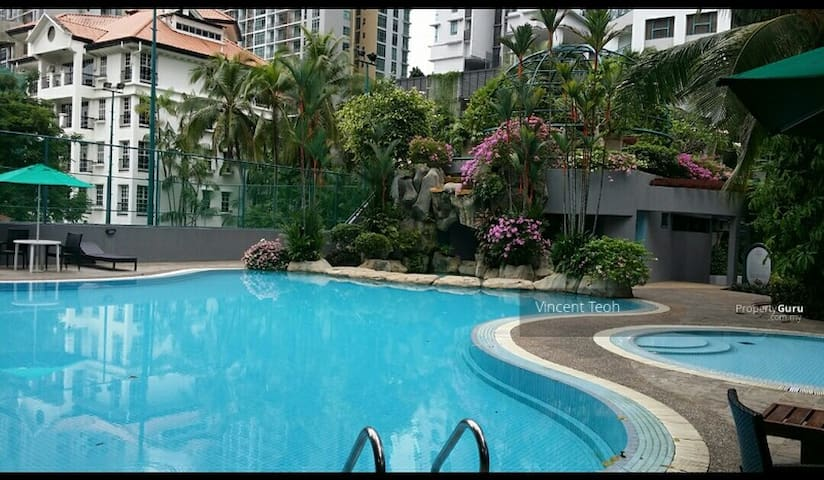 Private Bed & Bathroom 150m from KLCC