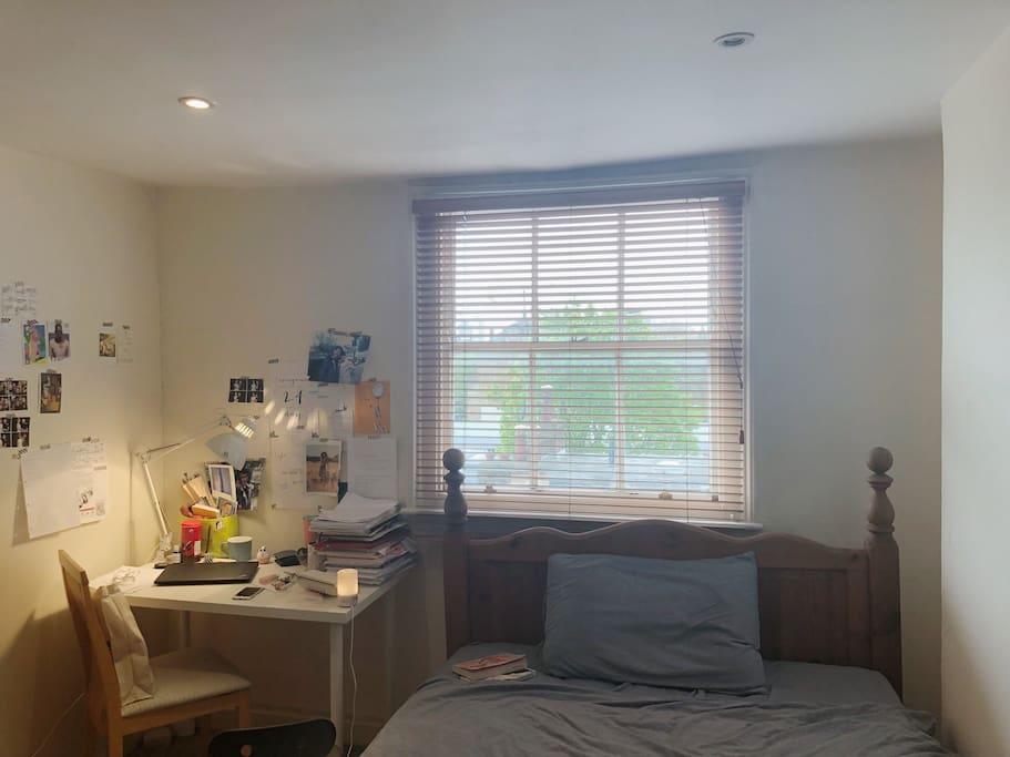 12 squared meter bedroom