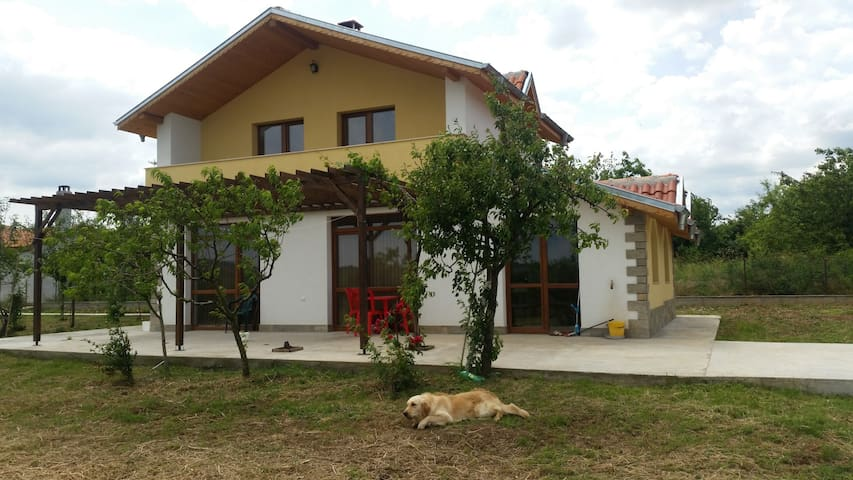 Big Villa near Perperikon, with Pool, SPA, Garden - Tsareva Polyana