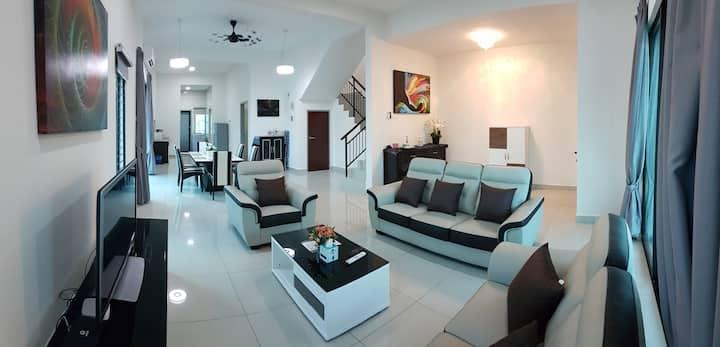 5 STAR COSY Home@EVIRA KLIA F1 Sepang Xiamen Univ.