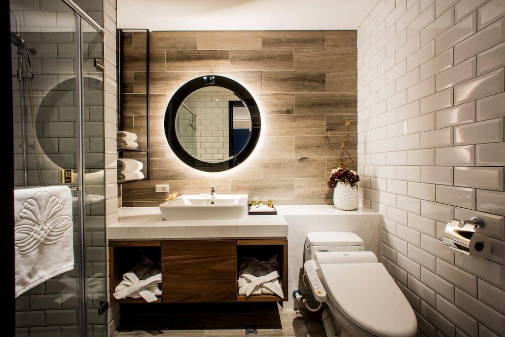 獨立衛浴,淋浴間,免治馬桶