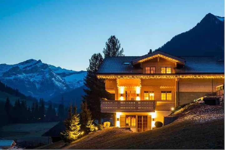 New luxury 6 BR Family Chalet in Gstaad Ski-in