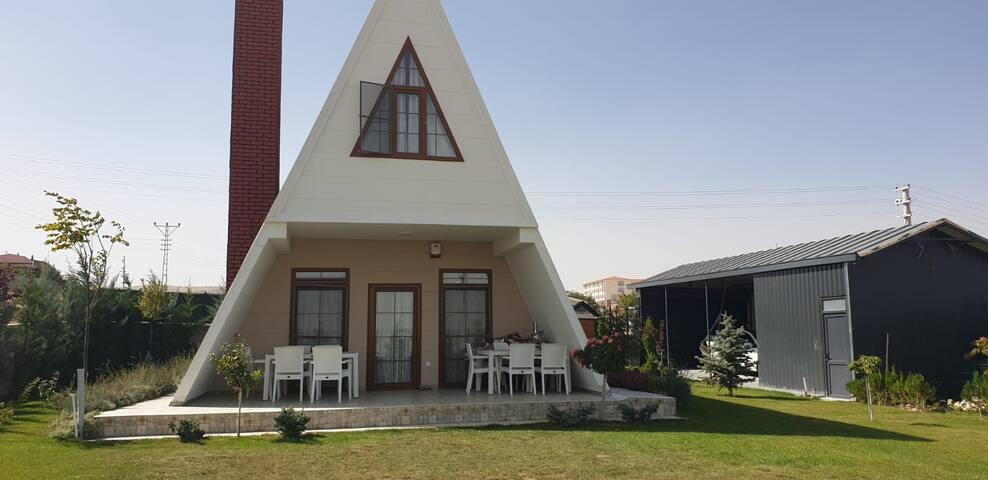 Meramda kiralık villa