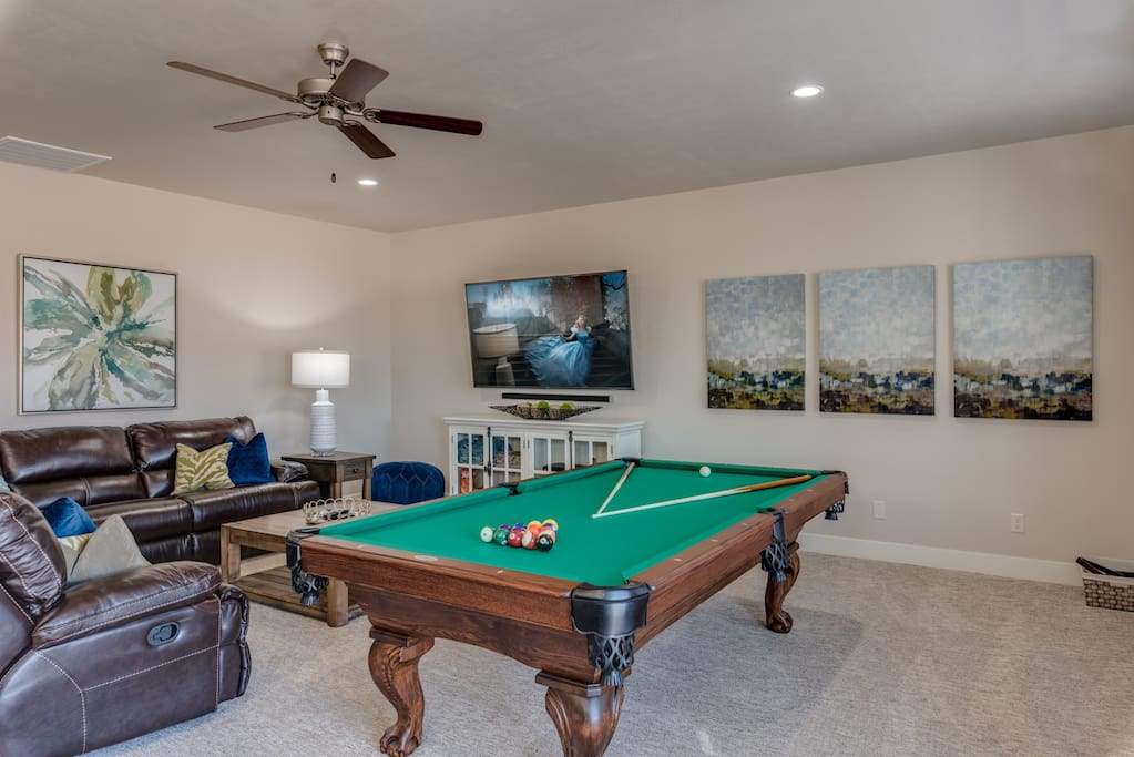 Upstairs living room, perfect for movies or games