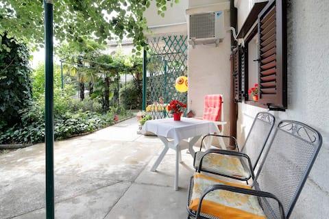 Rijeka, apartamento em villa, 35m2, perto do mar