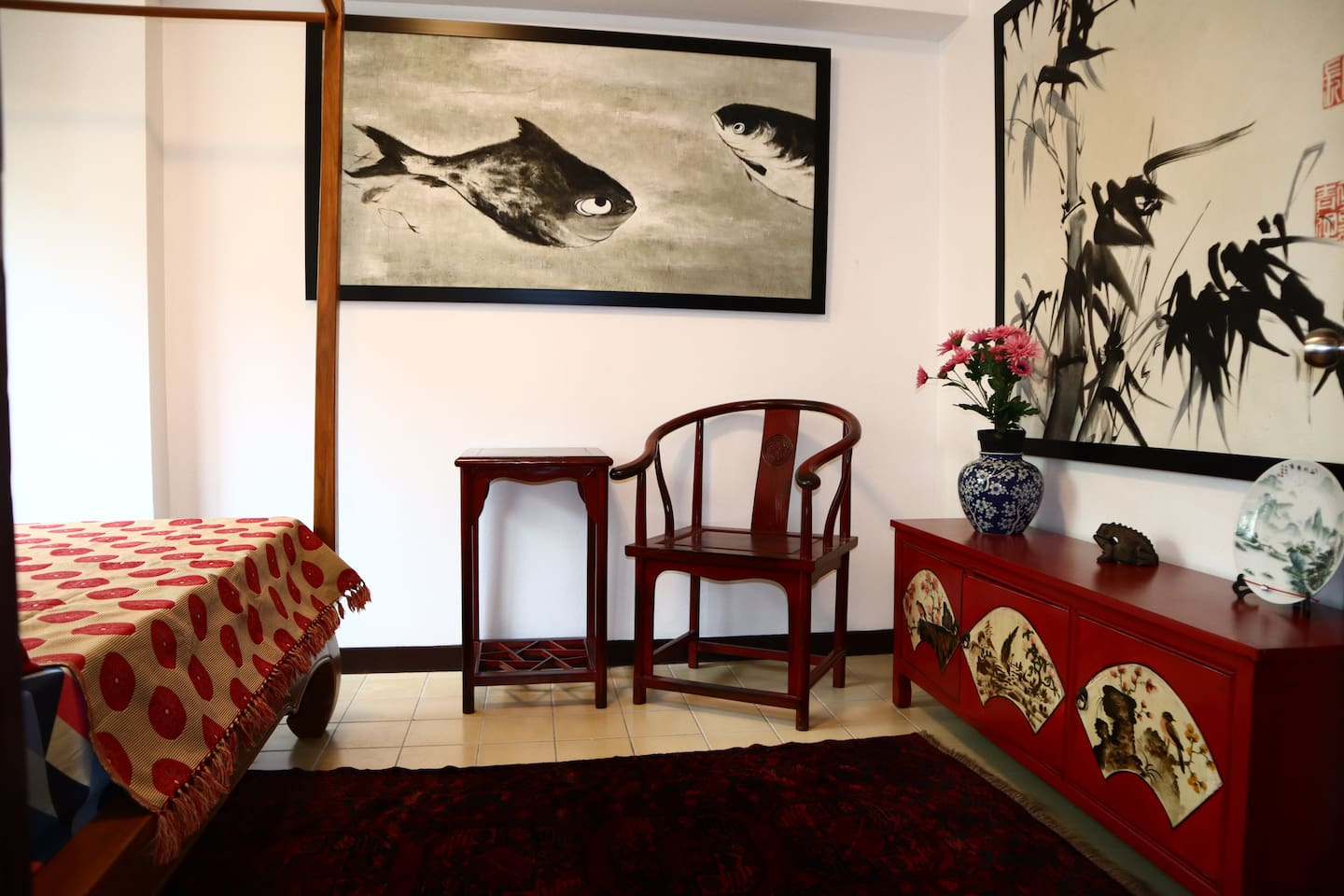 Design of this condo was inspired by  Wong Kar-wai movie The hand (eros) so motive is very traditional oriental design with vintage furniture and oil paintings.