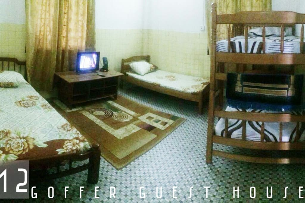ROOM 2 ( MYR 120 )  -  2 SINGLE BED -  1 DOUBLE DECKER -  AIRCOND     -  TV -  BATHROOM ATTACHED