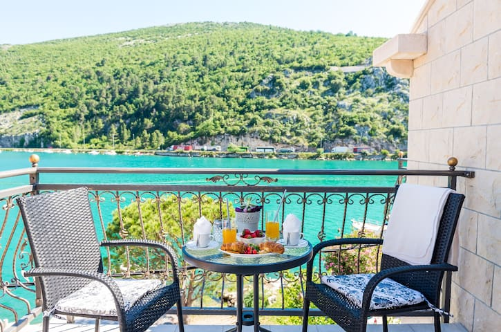 Apartments La Luna - One Bedroom Apartment with Balcony and Sea View