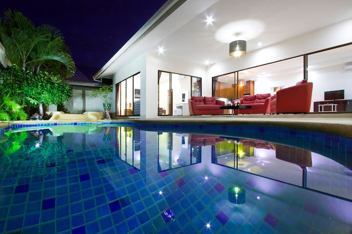 Tortuga Villas Pattaya. Private Pool & Jacuzzi