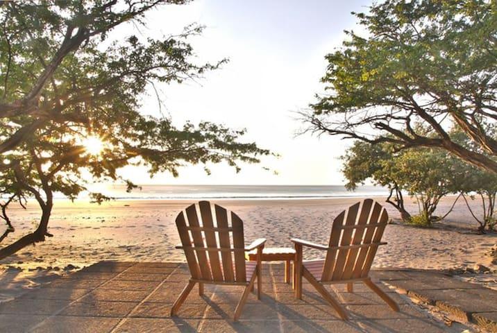 Coco Luxury Beachfront 3 bedroom Condominium - Playa Coco