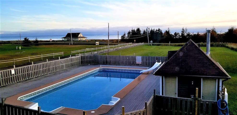 Entire apartment with an ocean view. Mont Carmel