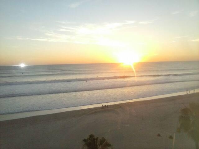 ¡Apartamento/habitaciones a pie de playa! - Cádiz - Condominium
