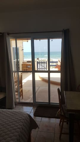 Ocean front Studio #1 ¡perfect for a couple!