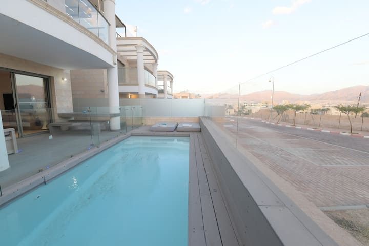 DELUXE 3 BEDROOM APART WITH PRIVATE POOL