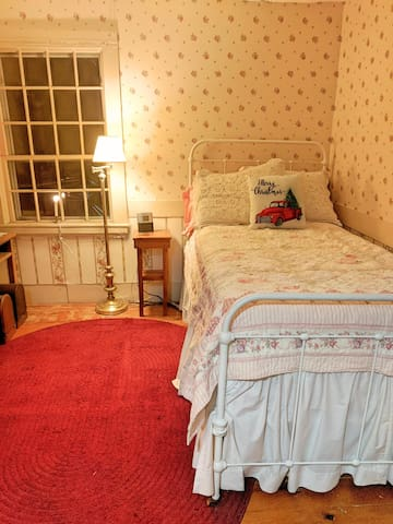 The Parris House, c. 1818 - Guest Room 4