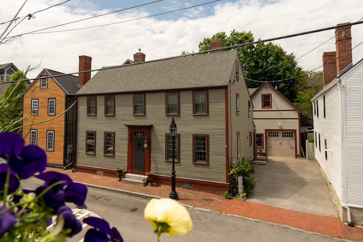 Historic Single Family Home in Portsmouth NH!