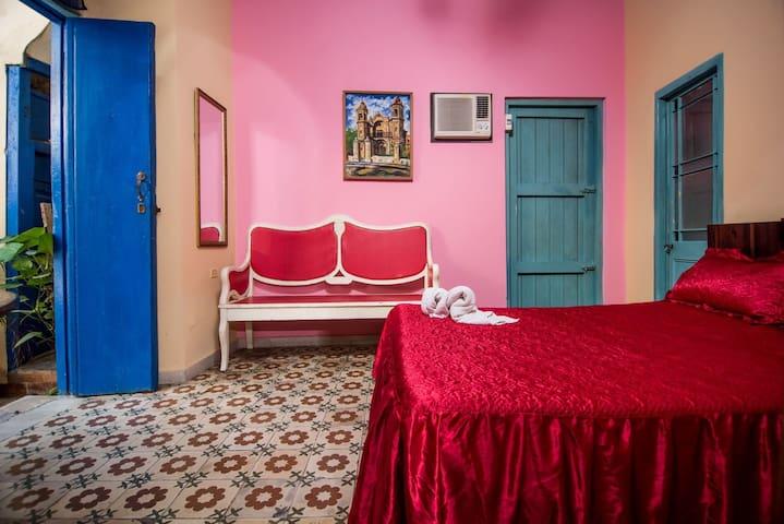 Arco de Belén House - Double bedroom in Old Havana