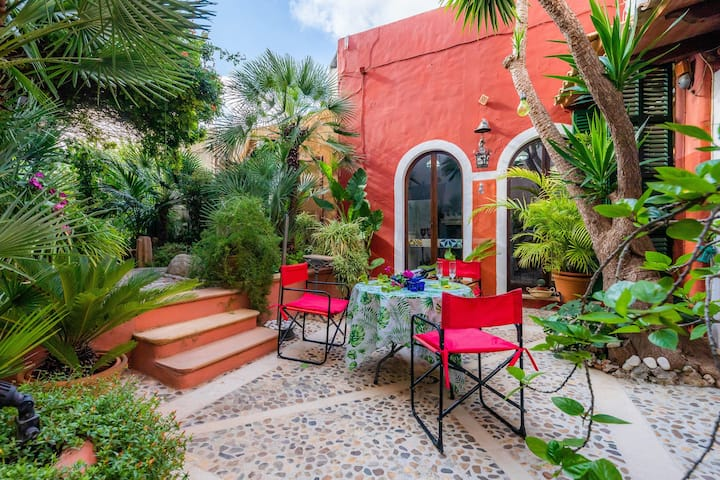 """Stunning Holiday Home """"Bon Son Fiol"""" with Mountain View, Garden, Terraces, Air Conditioning & WiFi; Parking Available in the Street"""