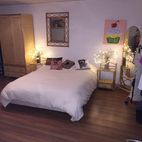 20m Room, private bathroom in Villa - Chêne-Bourg - Casa