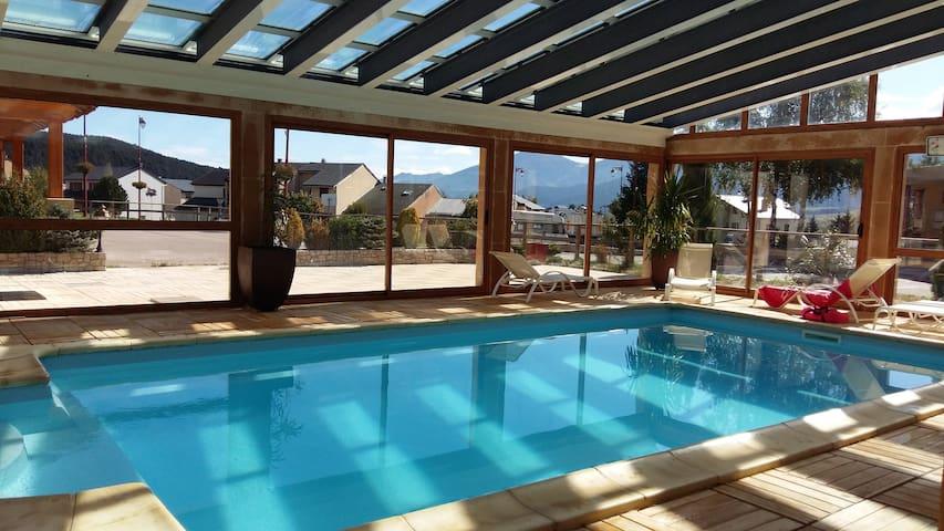 Appart coquet piscine, sauna, jaccuzi, salle sport - Bolquère - Apartment