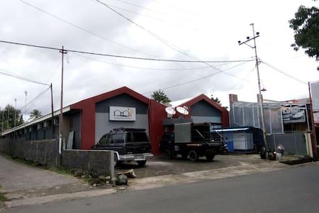 Living Peace House - Mapanget - House