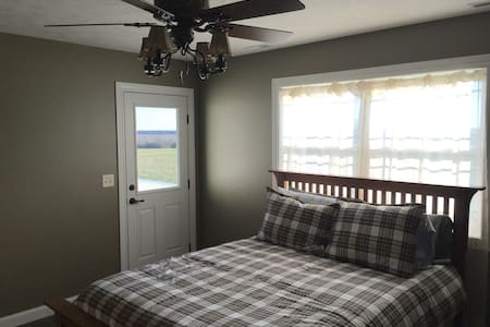New country home - Rustic Room - Wymore - Casa