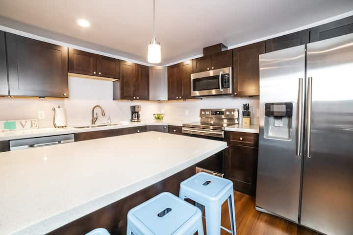 Highland Haven - NEW RENO, 2Bed/2Bath with AC!