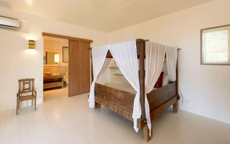 Malia bedroom