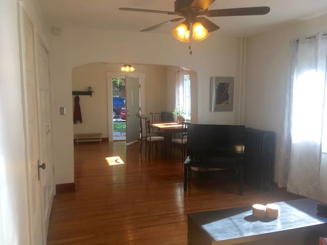 Charming 1 bedroom in the heart of Downtown SLC