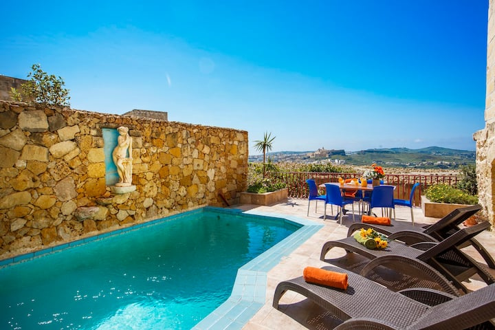 Sunny farmhouse with a private pool & great views