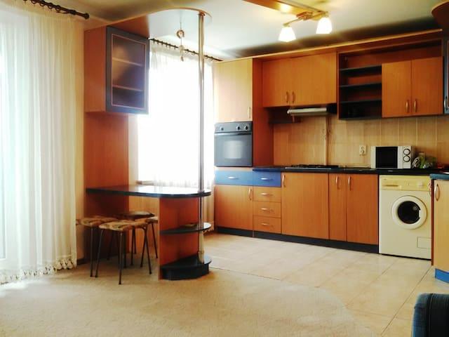 3-rooms apartment (near McDonalds)