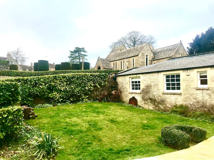 The Old Post Office, Duntisbourne Abbots Cotswolds