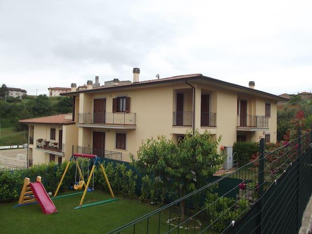 Casa Vacanza Agilla Trasimeno - Agello - อพาร์ทเมนท์