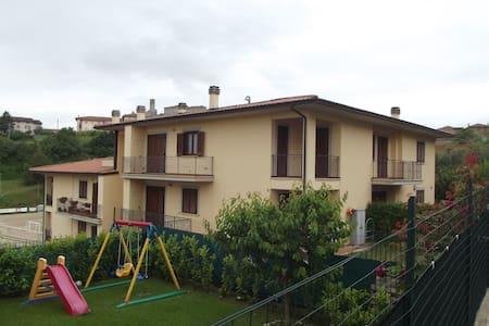 Casa Vacanza Agilla Trasimeno - Agello - Appartamento