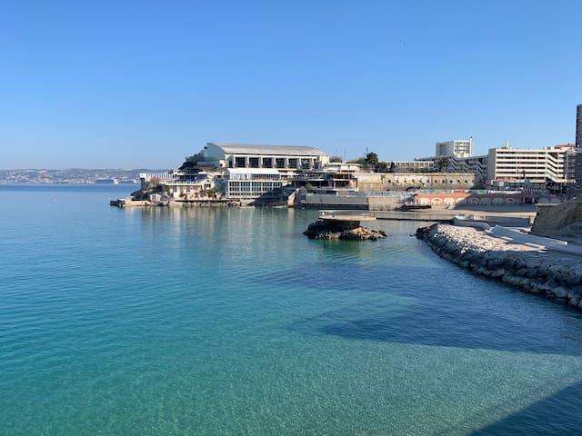 Appart proche vieux port et a 200 mètres de la mer
