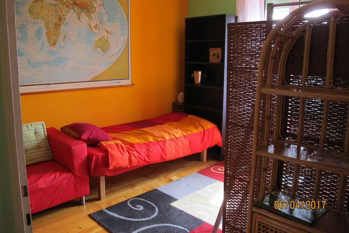 Appartement 12 min. from the city center Voyage A2