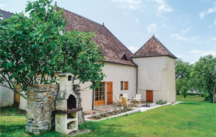 Holiday cottage with 4 bedrooms on 170m² in Mary