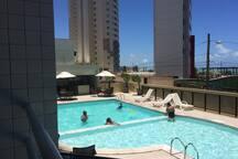 piscina com divisão para  crianças e adultos