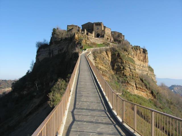 Civita di Bagnoregio - 1 hour drive