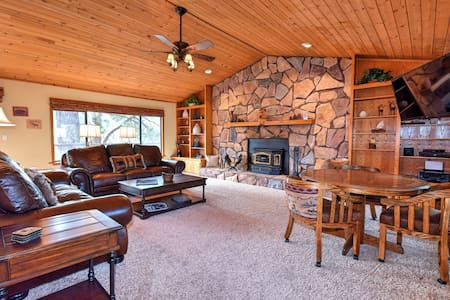 White Tail Hollow: Slope Views! Pool Table! Spa! - Big Bear Lake - House