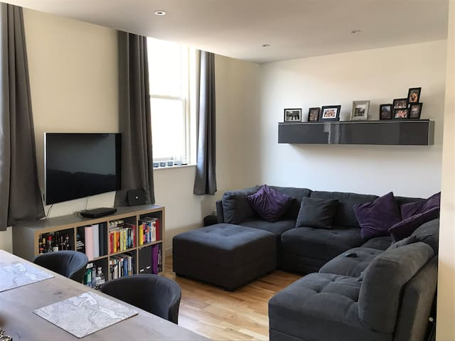Modern Flat in Wandsworth Town close to transport